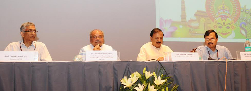 The Union Minister for RD, PR and DWS , Shri Narendra Singh Tomar and the Minister of State for Cult...